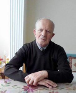 BAKİ KARAHAN 23 KASIMDA TOPRAĞA VERİLECEK İlçemiz emekli esnaflarından Baki Karahan (1944) bugün (21.11.2019) Ankara'da vefat etti. Uzun yıllar baba mesleğini sürdürerek bakkallık yapan Baki Karahan, köylü, kentli herkesin güven duyduğu, sevdiği bir esnaftı. Bir süre Belediye Meclisi Üyeliği yaptı. Hürriyet Gazetesi Çatalzeytin Muhabiri olarak çalıştı. Karahan evli ve iki çocuk babasıydı. Baki Karahan 23.11.2019 tarihinde ikindi namazından sonra Karamandağı Mezarlığında toprağa verilecek. Ailesinin, akrabalarının ve sevenlerinin acılarını paylaşıyoruz.
